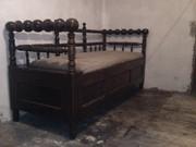 Продам старину софу   19-го века.Нужна реставрация.