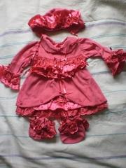 Набор для девочки (платьице,  пинетки и шапочка)