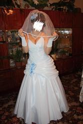 Свадебное шикарное платье 2000 ГРН.