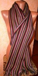 Теплый полосатый шарф