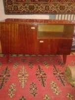 тумбочку под телевизор и столик